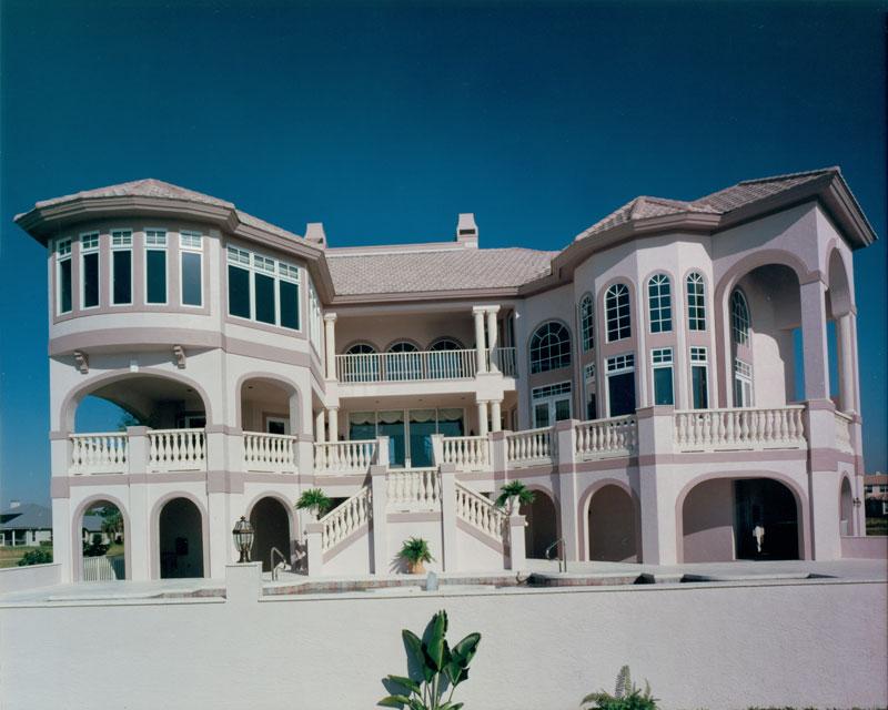 riverfront-estate-exterior2_6030683833_o