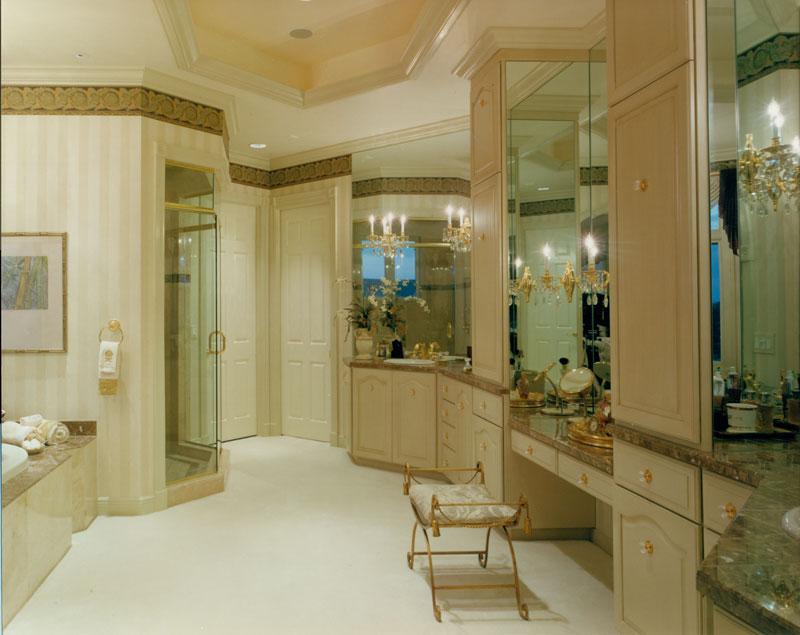 riverfront-estate-model-bath1_6031292076_o