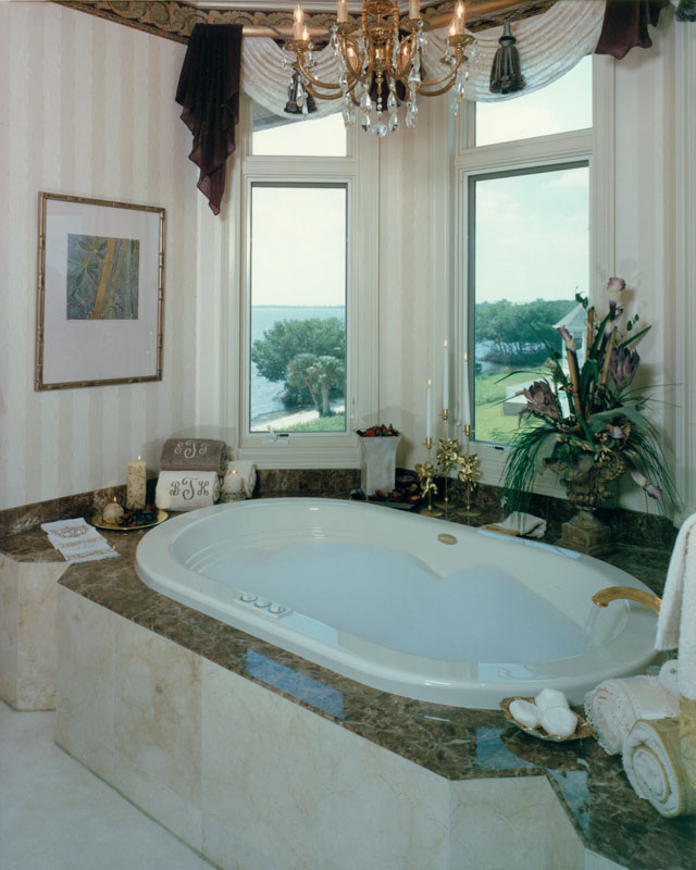 riverfront-estate-model-bath2_6031291938_o